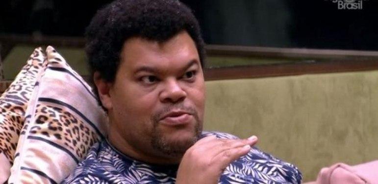 Por fim, Richarlison mostrou todo o seu apoio ao participante Babu Santana (foto), do Big Brother Brasil, da Globo. Ele, inclusive, chegou a brincar que processaria a emissora caso o ator fosse eliminado do reality.