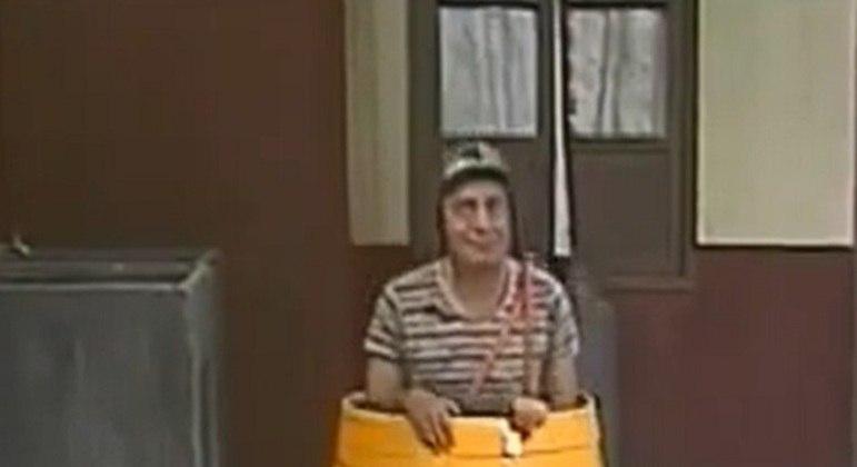 Por mais que o personagem Chaves usasse sempre o barril como seu espaço pessoal, ali não era de fato sua casa. Ele divide um apartamento com um personagem que não apareceu em nenhum momento do seriado, aumentando a curiosidade dos fãs.