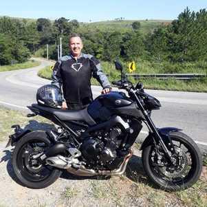 Amigo da Moto Adventure, um dos maiores experts do mercado de duas rodas, usa, recomenda e foi grande incentivador