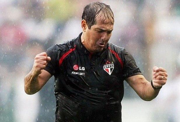Porém, dez anos depois e mais experiente, o treinador voltou ao Tricolor para escrever seu nome na história. Chegou à final da Libertadores, mas perdeu para o Internacional. Porém, foi campeão brasileiro com 78 pontos, nove a mais que o vice-líder Internacional.