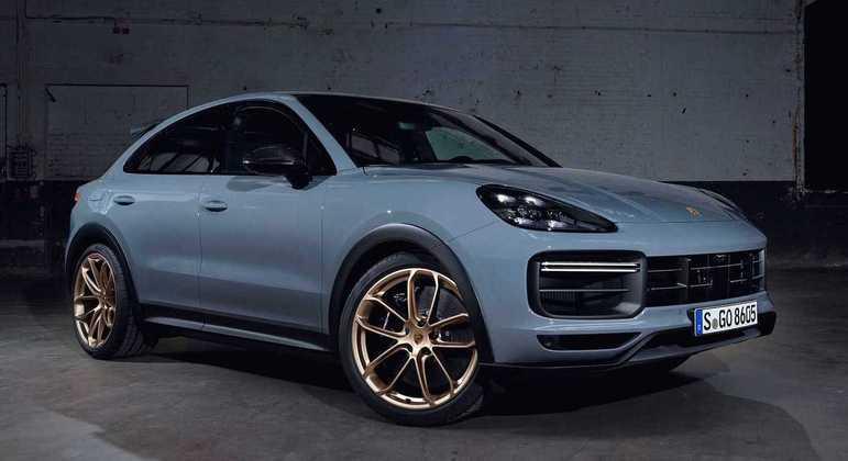 Modelo vem equipado com o novo Porsche Dynamic Chassis Control