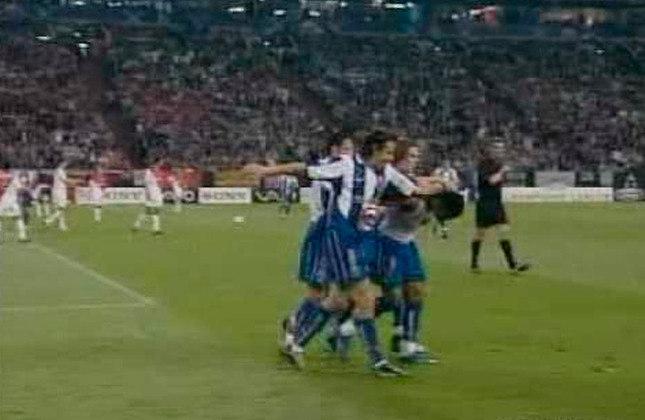 Porto 2 x 1 Monaco - Final da Champions League de 2003/2004 - Data - 26/05/04 - Estádio - Veltins Arena