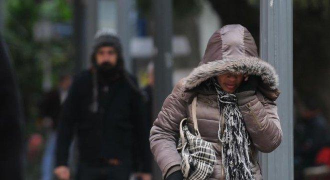 Porto Alegre teve a madrugada mais fria do ano neste domingo Crédito: Alina Souza