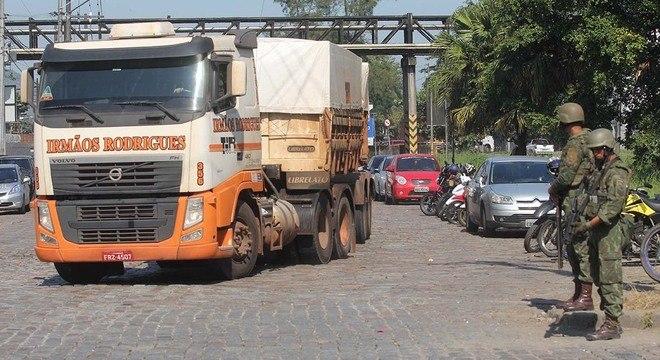Forças Armadas liberaram hoje acesso ao Porto de Santos (SP)