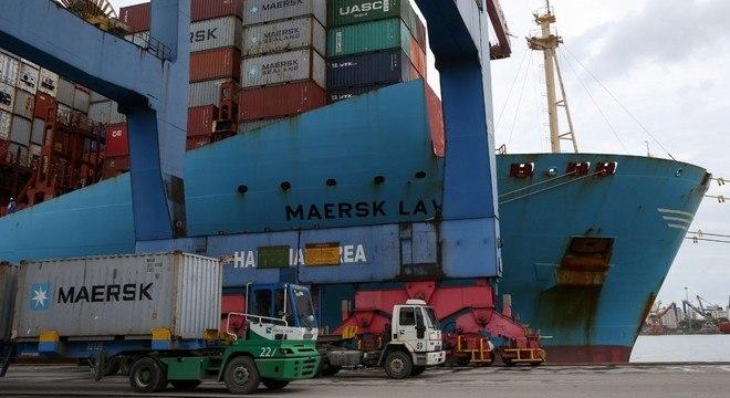 Exportações superaram importações em R$ 122 bilhões no primeiro semestre