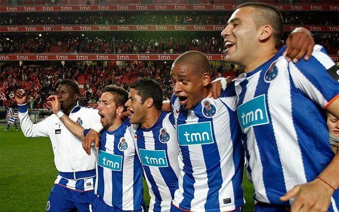 Porto - Foi campeão português de forma invicta em 2010/11 (27 vitórias e três empates), treinado por André Villas-Boas. Dois anos depois, a equipe também terminou a temporada sem perder (24 vitórias e 6 empates). Dessa forma, o Porto é o único clube com dois títulos nacionais invictos entre as seis principais ligas da Europa