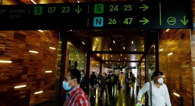 Viagens não essenciais a países como Brasil e Índia estão proibidas