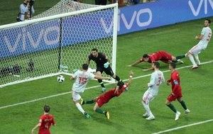 8987aaa0e6 Que jogo foi esse  CR7 faz 3 e salva Portugal da derrota para a ...