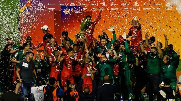 Portuguesa: Um dos mais tradicionais times do Brasil finalmente voltará a disputar uma divisão nacional novamente. Após conquistar a taça da Copa Paulista, a Portuguesa está de volta à Série D do futebol brasileiro. A equipe paulista foi rebaixada da Série A em 2013 e ficou sem divisão após eliminação da Série D em 2017.