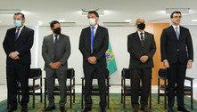 Em reunião secreta, Bolsonaro dá posse a novos ministros