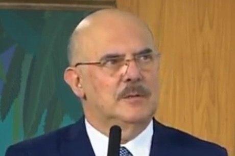 Milton Ribeiro, o ignorante e homofóbico Ministro da Educação.