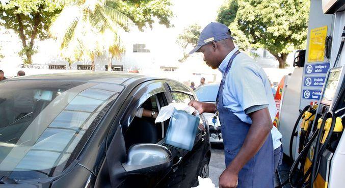 A gasolina comum apresentou alta de 0,45%, alcançando média de R$ 5,9 o litro