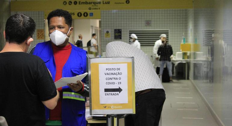 Greve de metroviários prejudica vacinação hoje na cidade de SP, diz prefeitura