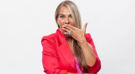 Adriane Galisteu comanda a quinta temporada do Power Couple Brasil