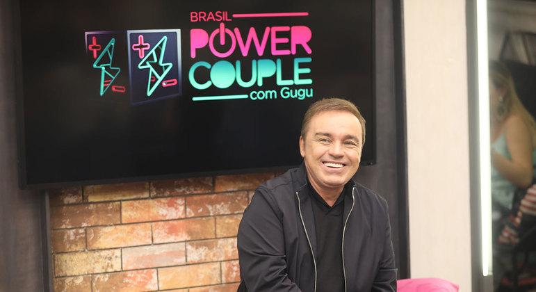 Gugu Liberato apresentava o Power Couple, na Record