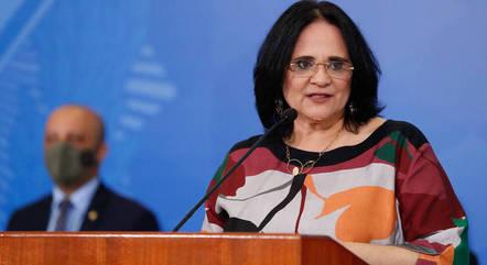 Em carta, mulheres repudiam ministra Damares Alves