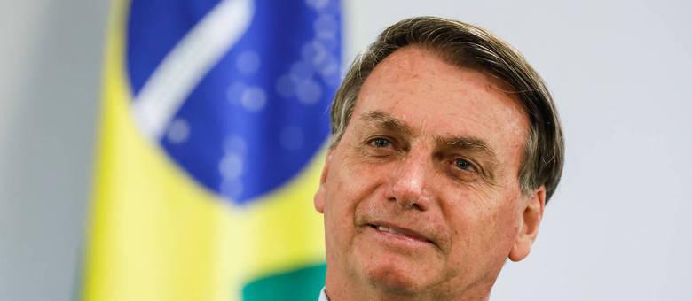 Palácio do PlanaltoSeguir Bolsonaro entendeu que que a caneta Bic tem um único dono  Foto: Isac Nóbrega/PR