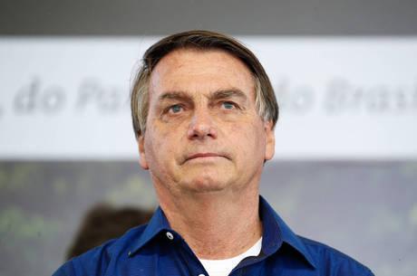 """""""R$ 600 é muito para quem paga"""", disse Bolsonaro"""