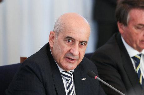Em carta, ministro do Turismo chama Ramos de traíra