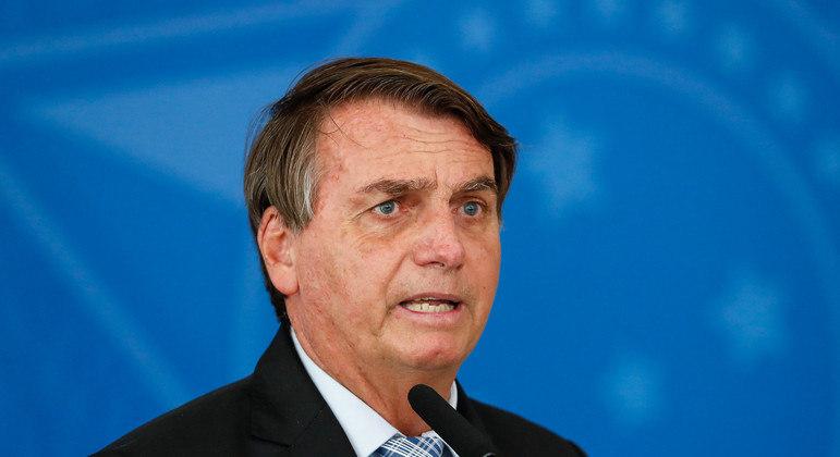 Chefe do Planalto também voltou a se manifestar contra as medidas de isolamento