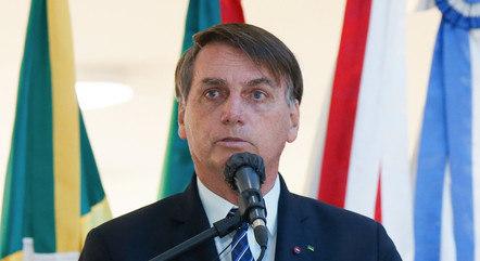 Na imagem, presidente Jair Bolsonaro em solenidade