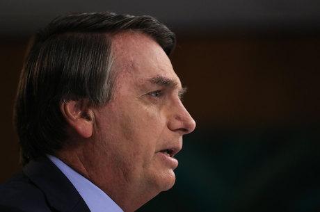 Bolsonaro planeja voltar a Brasília já neste sábado (26)