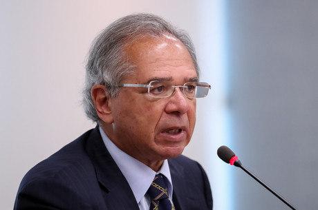 """""""É inequívoco que economia voltou em V"""", diz Guedes sobre PIB"""