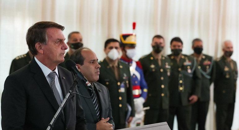 Bolsonaro durante solenidade de promoção de oficiais-generais do Exército