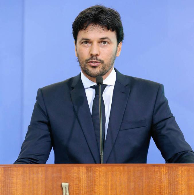 Ministro das Comunicações entra na força-tarefa pela vacina contra a covid-19