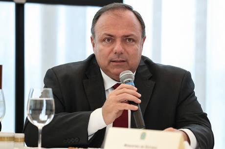 Pazuello quer acompanhar gastos de Estados e municípios
