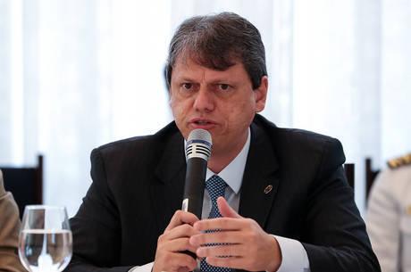 Tarcísio Gomes está com covid-19