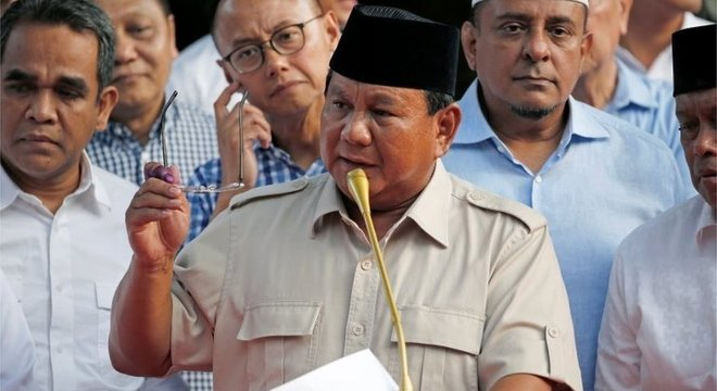 Oposicionista Prabowo Subianto também declarou vitória, mas resultado só deve ser divulgado em 22 de maio