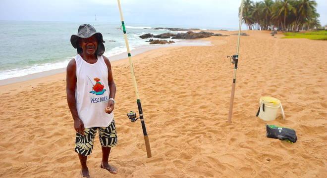 Nadinho é pescador e viu os peixes desaparecerem por conta do óleo