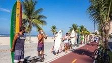 Baixada Santista tem praias mais vazias e protesto de surfistas