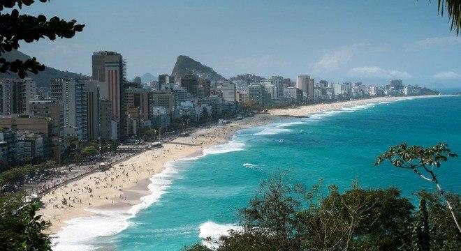 Rio de Janeiro entra na fase 5 de flexibilização com a liberação de banhos de mar