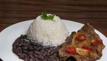 Preços do arroz e das carnes saltaram mais de 30% em um ano