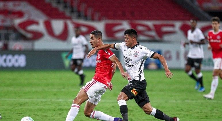 Internacional não conseguiu furar retranca do Corinthians e perdeu chance de título