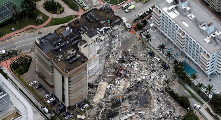 Pelo menos 4 pessoas morreram em desabamento em Miami