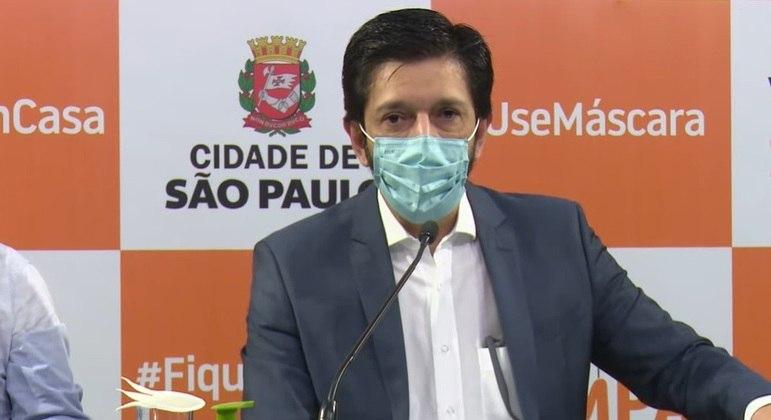 Prefeito Ricardo Nunes durante lançamento de programa contra evasão escolar
