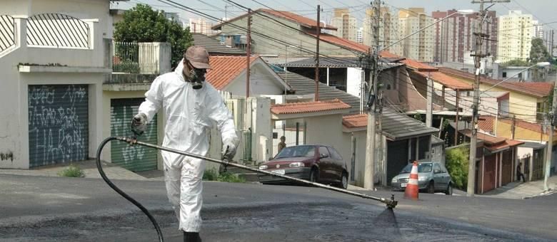 Programa Asfalto Novo investe R$ 550 milhões para recapear mais de 400 km de ruas e avenidas