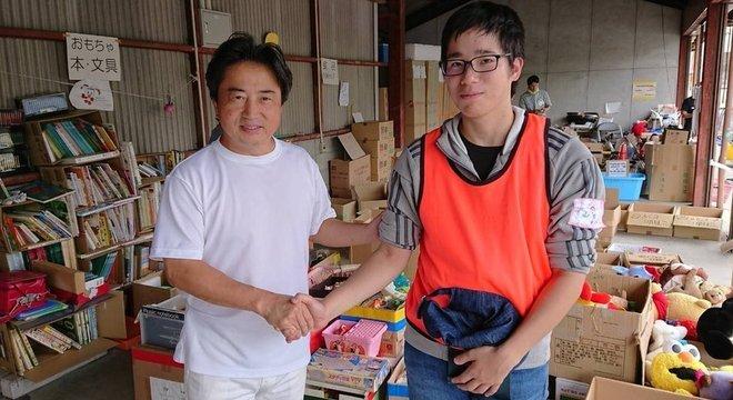 O prefeito de Soja, Souichi Kataoka, acredita que 'uma mão sempre lava a outra'