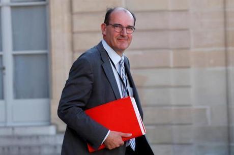 """Castex quer preparar a França para a """"segunda onda"""""""