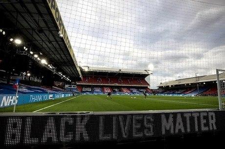 Premier League aderiu à luta antirracismo