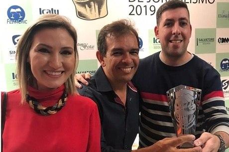Equipe da Record TV recebeu prêmio