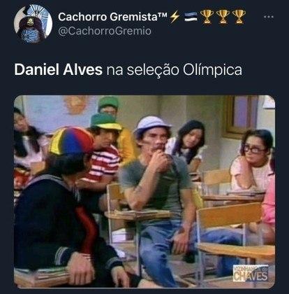 Presença de Dani Alves entre os garotos também rendeu memes