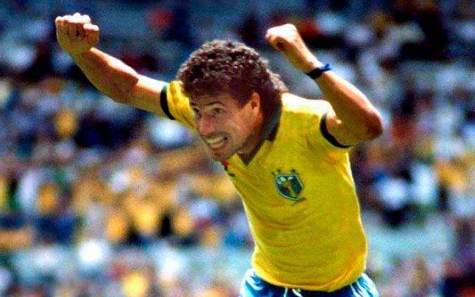 Presente nas Copas do Mundo de 1986 e 1990, CARECA marcou 29 gols com a amarelinha.
