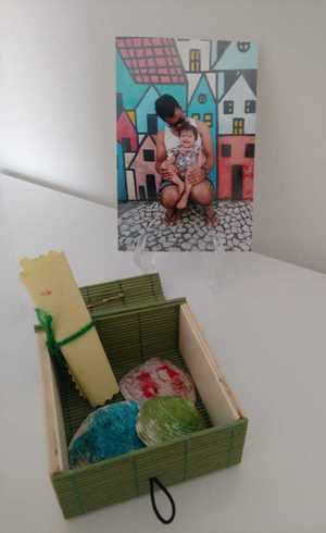 Manu: cartinha e conchinhas dentro da caixinha para o papai