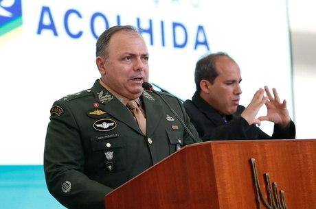 Interino, Pazuello pretende voltar às funções militares