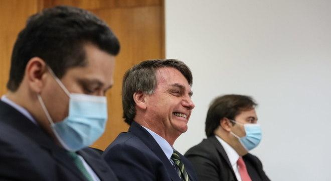 Bolsonaro prometeu ajuda a Estados, mas sem reajuste a funcionários públicos