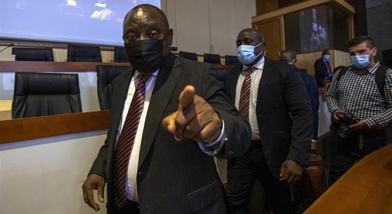 O presidente Cyril Ramaphosa afirmou que pessoa continuarão morrendo até conclusão do projeto